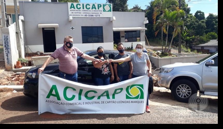ACICAP entrega veículo 0km para ganhadora da Promoção Ano Premiado