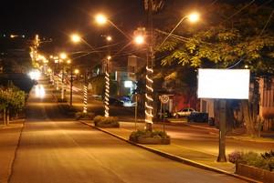 Luzes enfeitam a cidade de Nova Prata do Iguaçu em comemoração ao Natal