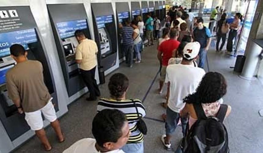 Bancos fecham nesta quinta, feriado de 12 de Outubro, mas funcionam normalmente na sexta