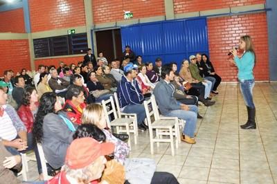 27 ordenhadeiras são entregues para pequenos produtores em Capanema