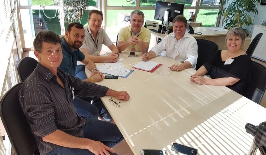 Capitão assina convenio de R$ 3,3 milhões com Itaipu para estradas e meio ambiente
