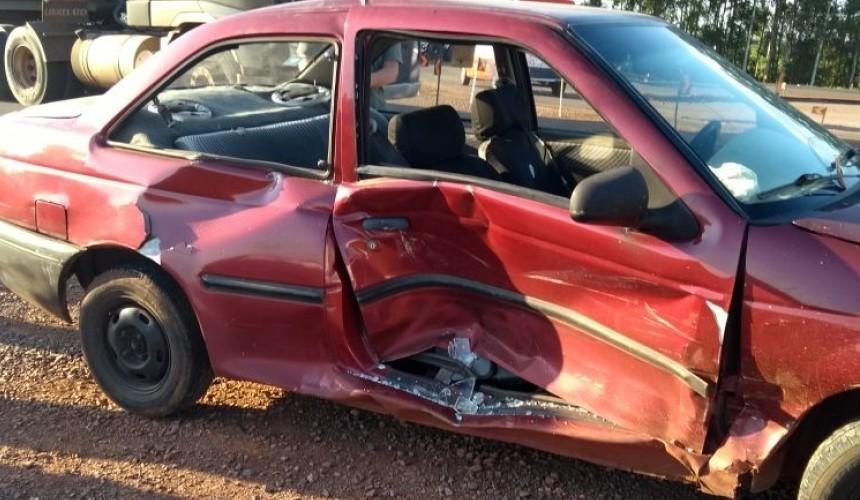 Uma pessoa fica ferida em colisão no trevo da BR163 em Capitão