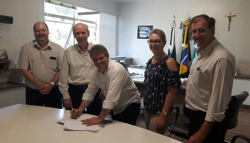 SICREDI e Administração Municipal assinam convenio de Crédito Consignado para servidores