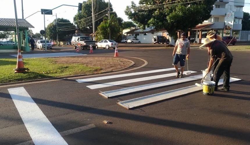 Prefeitura de Capanema trabalha na sinalização horizontal das vias urbanas