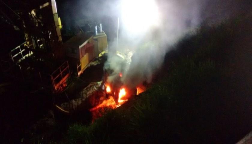 Bombeiros de Capitão controlam incêndio em compressor na obra da Ponte do Rio Iguaçu