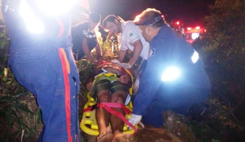 Duas pessoas ficam feridas em Capotamento em Capitão