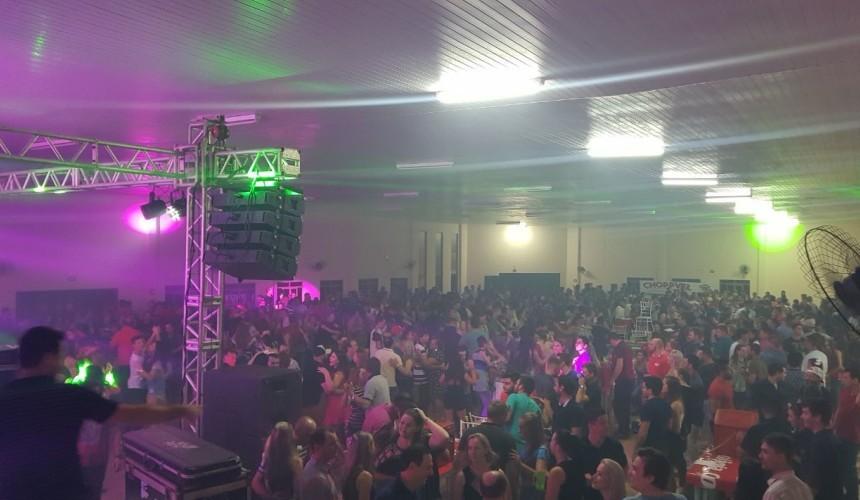 Baile do Chopp lota centro de eventos em Santa Lucia