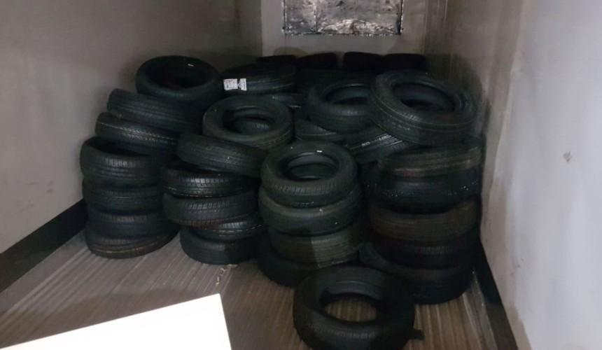 Receita Federal apreende 200 pneus em Nova Prata do Iguaçu
