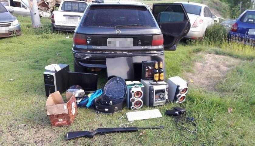 Carro e moto furtados em Nova Prata e veículo levado em assalto em Capitão são recuperados pela PM
