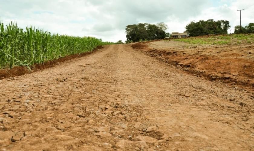 Recuperação de estradas rurais para o escoamento da safra é prioridade em Capitão