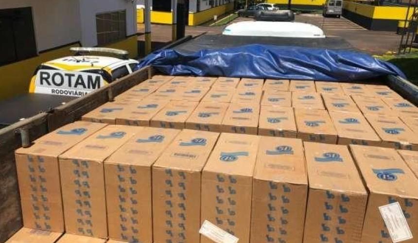 Rotam apreende caminhão com 200 caixas de cigarros em Boa Vista da Aparecida
