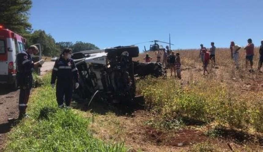 Acidente deixa dois mortos e um ferido em Três Barras do Paraná