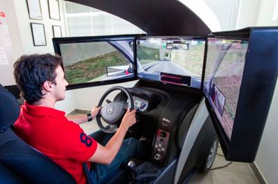 Uso de simuladores passa a ser obrigatório nas Autoescolas