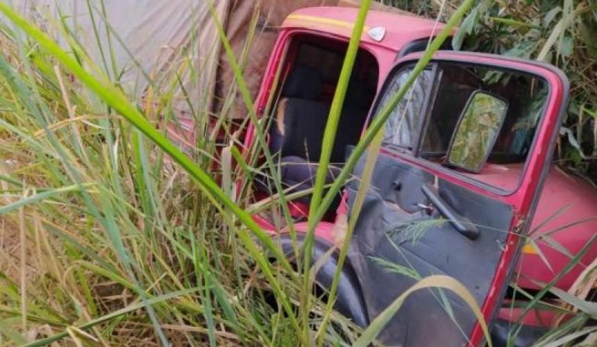 Caminhão carregado com cigarro paraguaio é apreendido em Guaíra