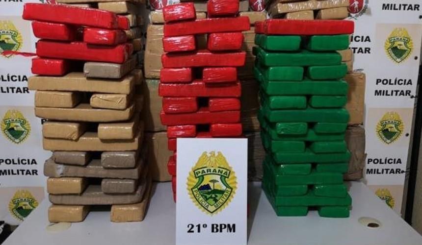 Polícia Militar prende traficante com 220 kg de maconha em veículo roubado, em Realeza