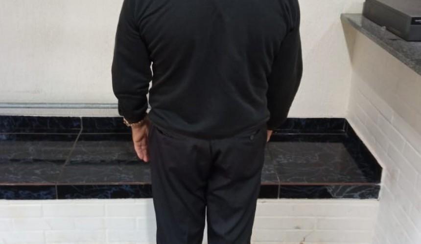 Homem com mandado de prisão em aberto é preso pela PM em Capitão