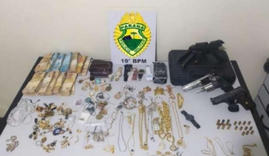 Trio é detido ao roubar e sequestrar família em Pato Bragado