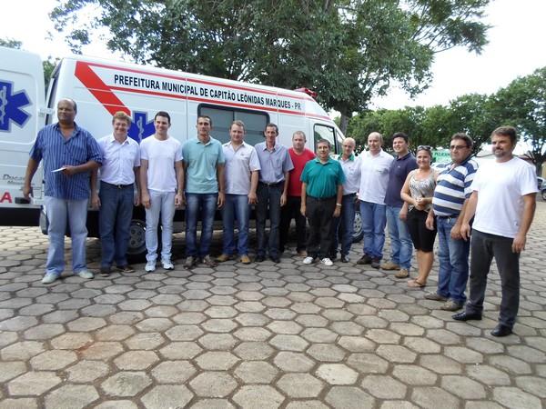 Secretaria de Saúde de Capitão recebe ambulância com recursos economizados pela Câmara de Vereadores